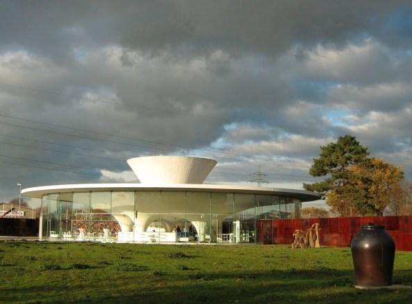 Fundaţia Keramion - centru pentru ceramică modernă şi istorică