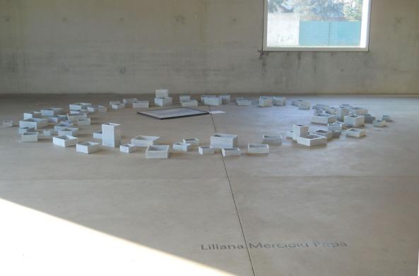 Elipsa, instalaţie, 2001