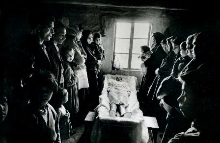 Joseph Koudelka - Gypsies (Foto: www.americansuburbx.com)
