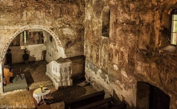 Biserica din Sântamarie Orlea - interior, cea mai veche frescă din Transilvania (Foto Grigore Roibu)