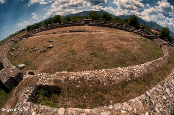 Samizegetusa Ulpia Traiana Augusta - Amfiteatrul (Foto Grigore Roibu)