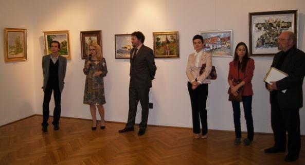 Gabriela Matei,  Director ICR şi Ovidiu Cărpuşor în deschiderea expoziţiei