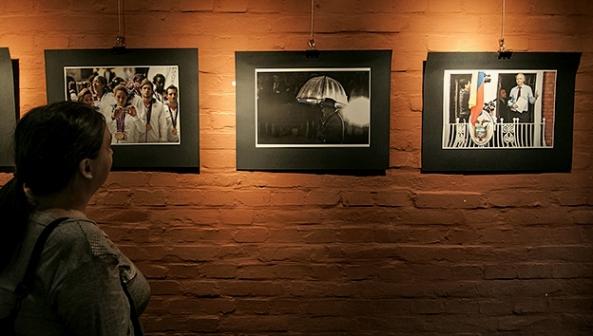 Expoziţie Radu Sigheti, şeful biroului foto al agenţiei Reuters România (Piano Cazola)