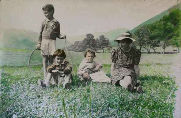 Ion Grigorescu - Mama și frații mei, 1974