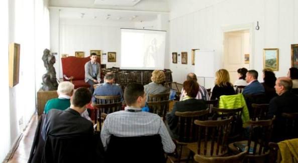 Iulian Plestiu, Coordonatorul departamentului de cercetare în cadrul Galeriile Artmark