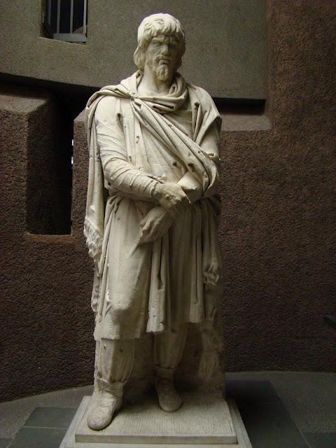 statuie-de-capilatus-dac