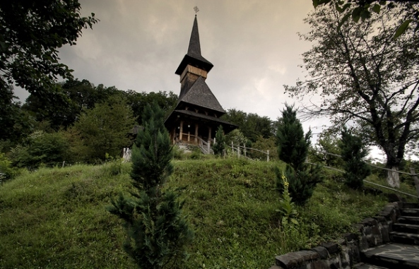Vechea biserică din Rohia