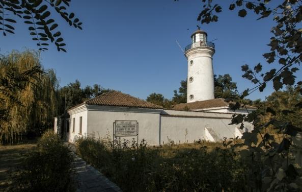 """Muzeul """"Farul Sulinei"""", Exponatele fac parte din colecția de istorie modernă și contemporană a Muzeului de Istorie și Arheologie. Se remarcă piesele de mobilier care au aparţinut scriitorului Jean Bart"""
