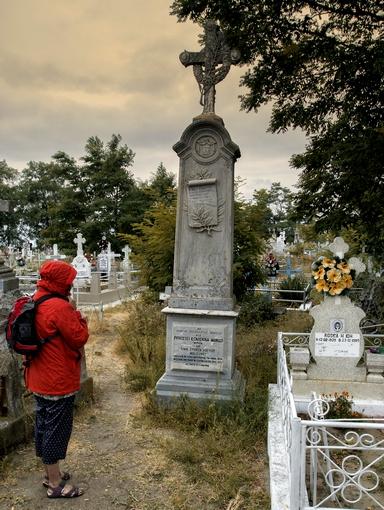Sulina a fost un oras cosmopolit ce a găzduit sediul Comisiei Europene a Dunării. În 1870 a port liber, scutit de taxe vamale. Aici se află morminte ale unor printi greci și cel al prințesei Ecaterina Moruzi, nepoata domnitorului Moldovei, Ioan Sturdza.